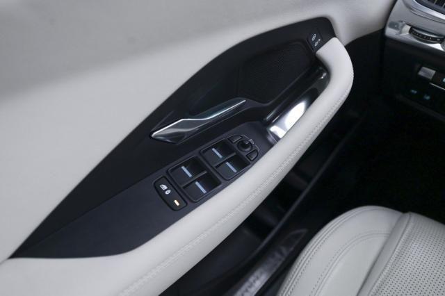 JAGUAR E-PACE P250 R-DYNAMIC S 2.0 16V AWD AUT./2018 - Foto 17