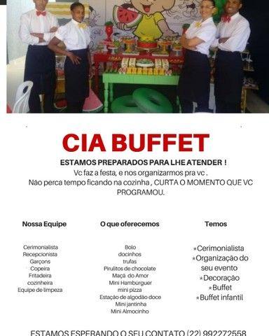 Buffet, decoração e equipe de garçons