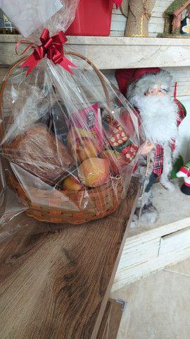 Cestas de aniversário - cestas de café da manhã - cestas de antepasto - cestas de queijos - Foto 2