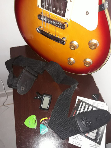 Guitarra Strinberg com amplifier - Foto 3
