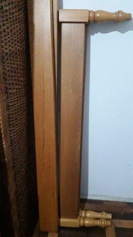 Cama turca casal de madeira maciça  - Foto 2