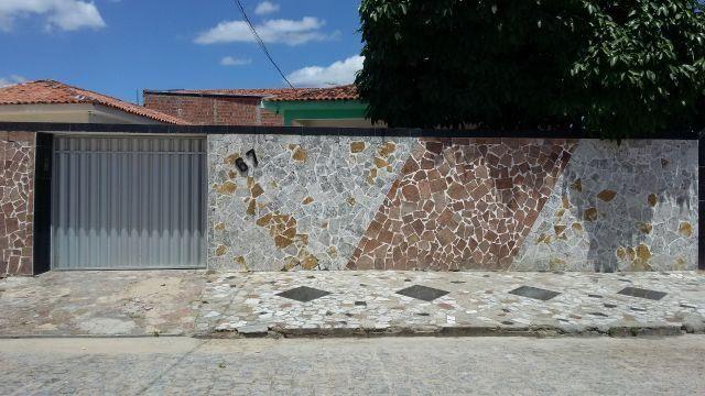 Ótima casa no bairro Catolé em Campina Grande