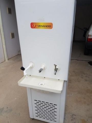 Bebedouro Industrial Venâncio 100 Litros - 220V