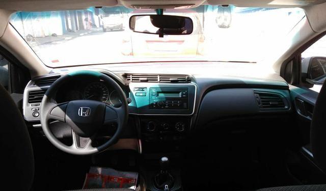 Honda City DX 1.5 19/19 zero troco - Foto 7