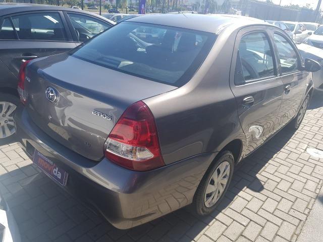 Etios X Sedan 1.5 Flex 16V Mec - Foto 5
