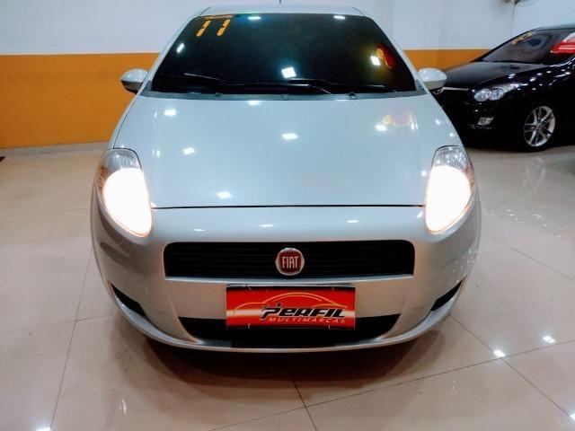 Fiat Punto Attractive 1.4 2011 novo!!!