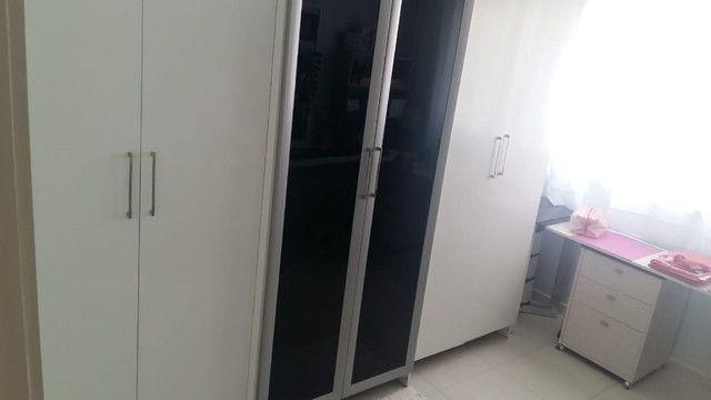 Capoeiras 2 dormitórios com muito espaço , suíte e sacada com garagem - Foto 10