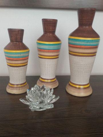 Trio de vasos garrafas em cerâmica