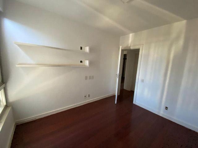Apartamento possui 202 metros quadrados com 4 quartos em Setor Bueno - Goiânia - GO - Foto 6
