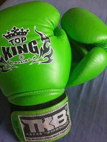 Luva boxe top King couro importada - Foto 2