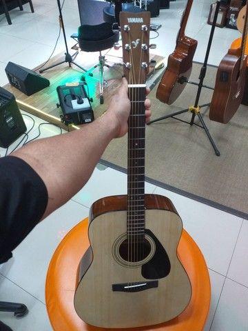 Violão Yamaha F310 novo com semicase novo - Foto 4