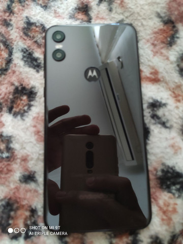 Motorola one 64 GB COM 4 GB DE RAM - Foto 2