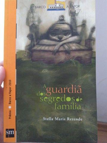 """Livro """" A guardiã dos segredos de família """""""