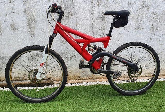 Mountain Bike (Quadro Antiga Caloi Black Widow) - Foto 5