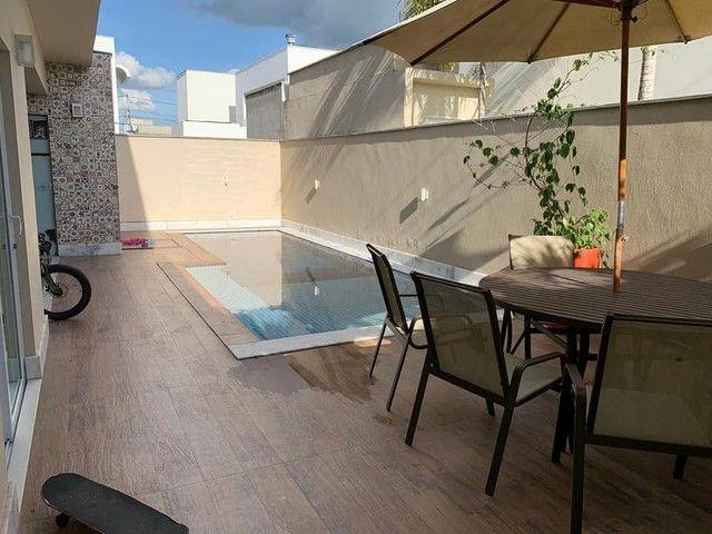 Excelente imóvel a venda 4|4 sendo 4 suítes, piscina, área goumert e fino acabamento - Foto 13