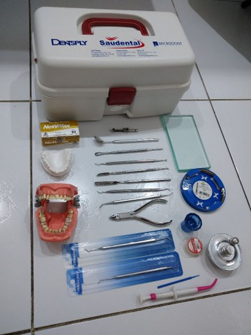 Kit instrumental Odontológico