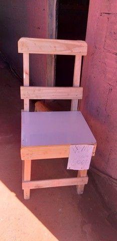 Vendo cadeira de madeira  - Foto 2