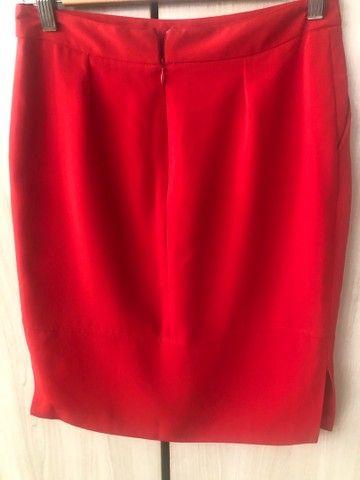 Saia vermelha TAM P comprada em Portugal  - Foto 3