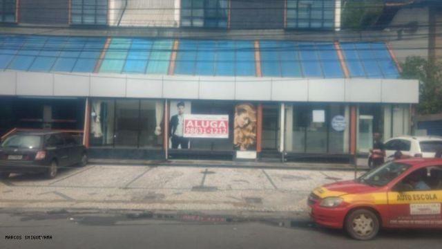 Excelente loja frente de rua com grande fachada em rua movimentada no caminho das árvores