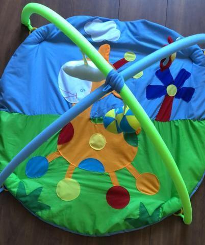 Tapete de atividades para bebês