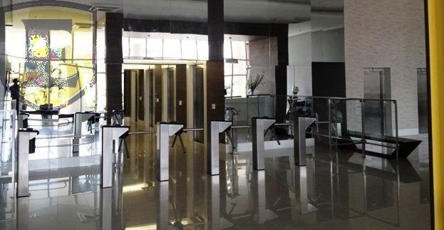 3225 - (3225) Sala no Office Tower, toda planejada com vista para Colares More... - Foto 13