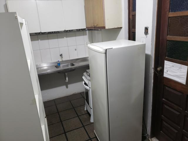 Alugo apartamento, kitnet e quarto - Foto 2