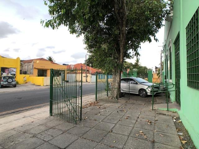 Casa em avenida principal de Olinda para comércio, de esquina positiva - Foto 6