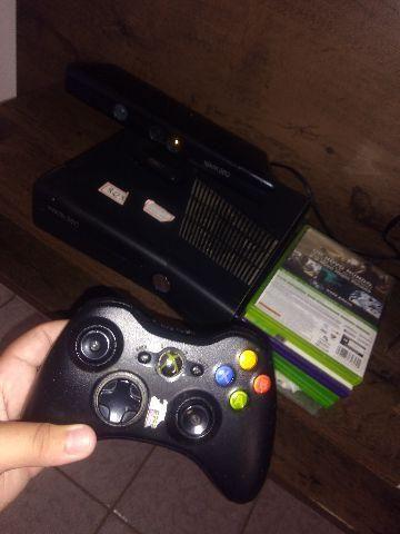 Xbox 360 na caixa destravado com Kinect