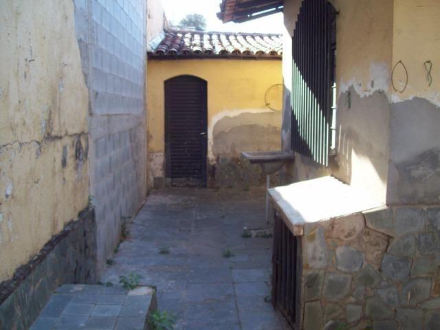 Casa colonial , 3 quartos , 4 vagas , habite-se , joão pinheiro , BH - Foto 19