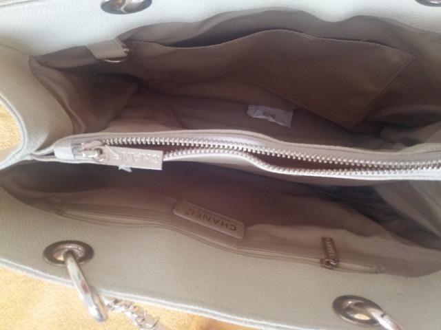 9bfb2ceb1 Bolsa Chanel Shopper Bege couro caviar matelassê - Bolsas, malas e ...