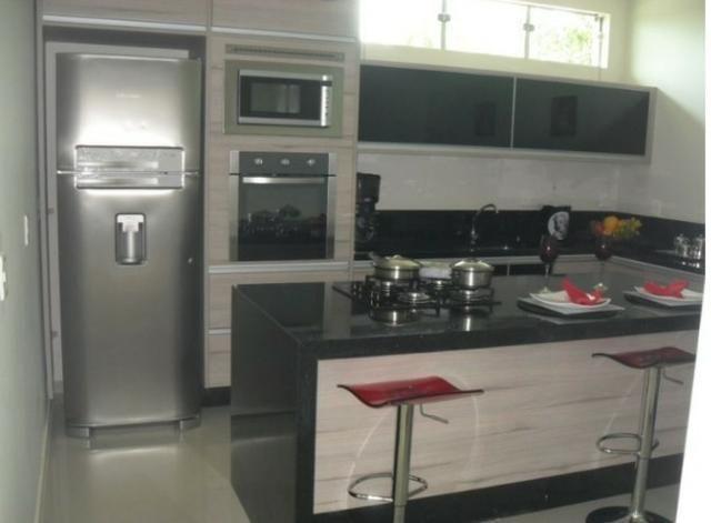 Samuel Pereira oferece: Magnífica casa térrea no Condomínio Mansões Entre Lagos com lazer - Foto 12