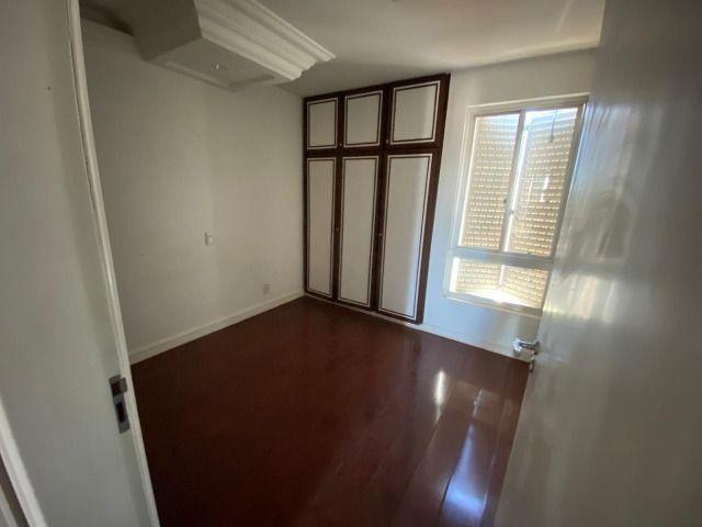 Apartamento possui 202 metros quadrados com 4 quartos em Setor Bueno - Goiânia - GO - Foto 10