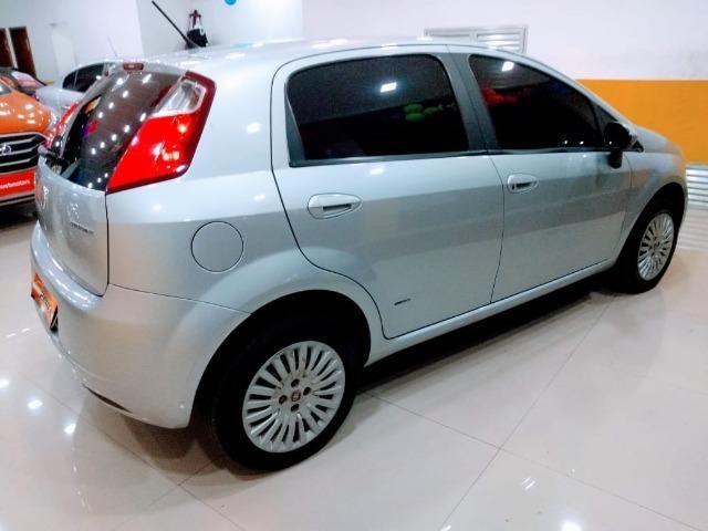 Fiat Punto Attractive 1.4 2011 novo!!! - Foto 8