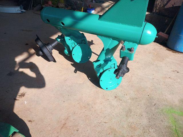 Arado 2 discos para trator - Foto 5