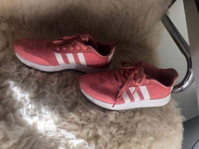 Tênis Adidas Rose pouco uso - Foto 4