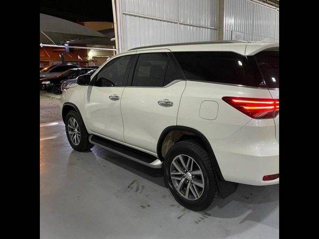 Toyota Hilux SW4 SRX 4x4 2.8  - Foto 5