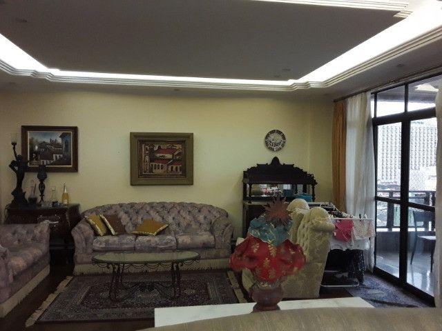 Apartamento 275m², 1 por andar, 3 suites, 3 vagas na Batista Campos - Foto 9