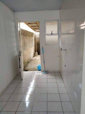 Linda Casa em Condomínio com amplo terreno *Leia o Anúncio* - Foto 3