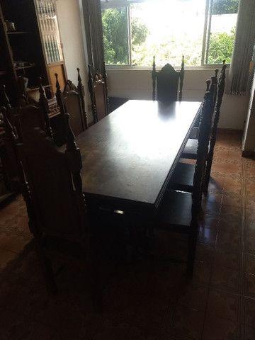 Cristaleira e mesa em madeira - Foto 6