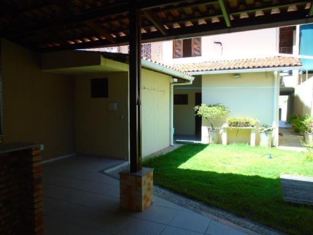 R.O Linda casa 3 dorm, churrasqueira e vagas na garagem - Foto 6