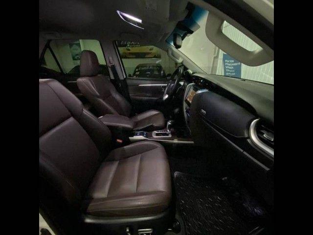Toyota Hilux SW4 SRX 4x4 2.8  - Foto 8