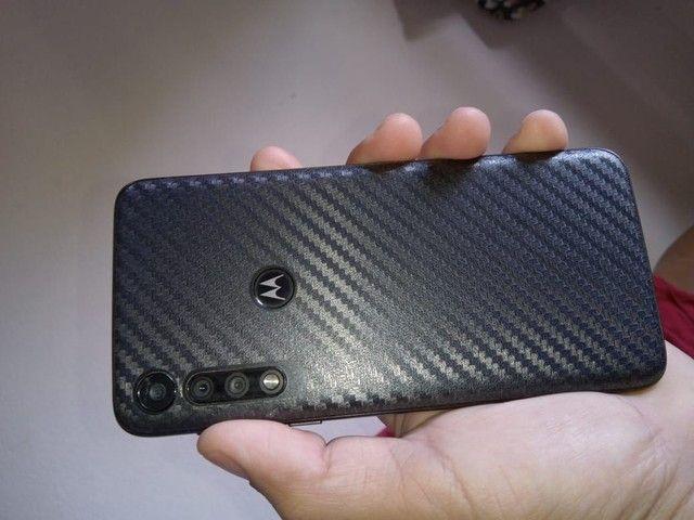 Moto G8 play semi novo com acessórios - Foto 3