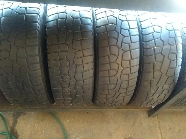 4 pneus 205/70/15 Riscados por?