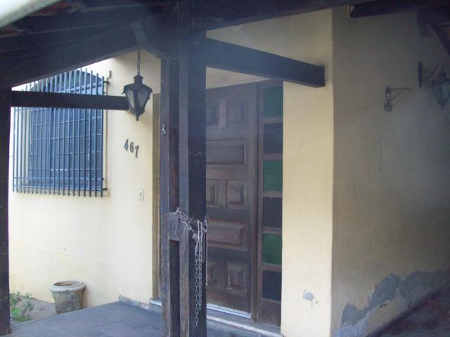 Casa colonial , 3 quartos , 4 vagas , habite-se , joão pinheiro , BH - Foto 4