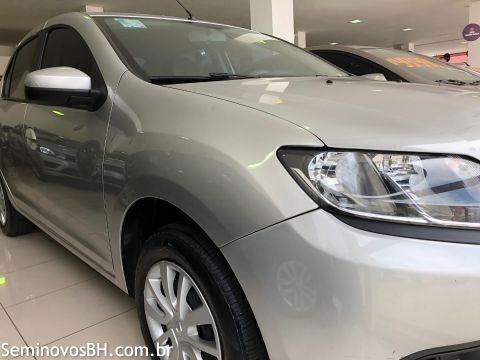 Renault Logan 1.6 16V