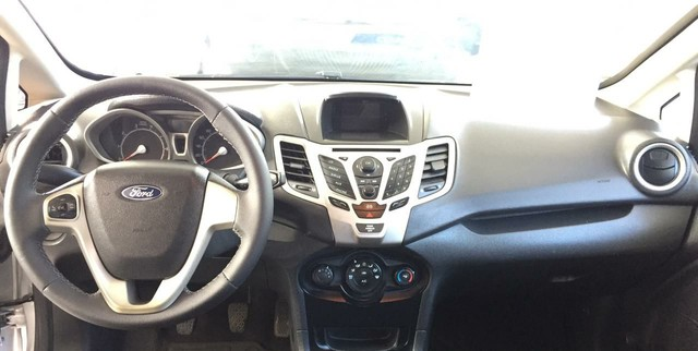 New Fiesta sedan 1.6 completo 2013 - Foto 4