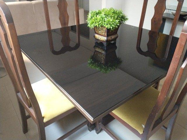 Mesa madeira com tampo vidro 4 lugares