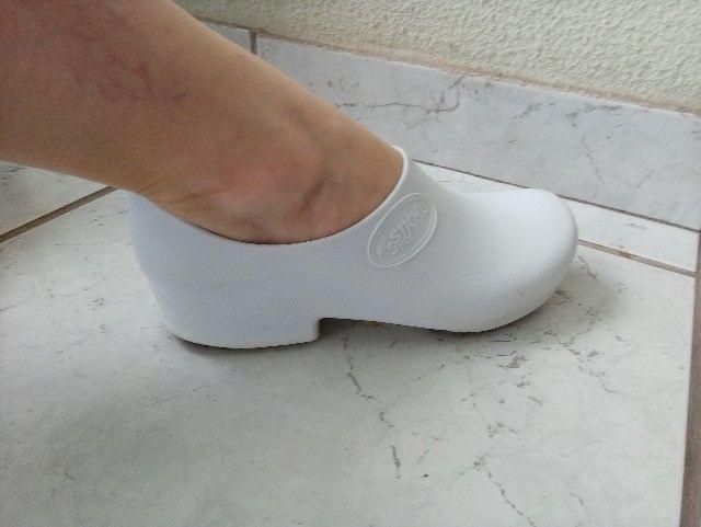 Sticky Shoe - Sapato Fechado Para Profissional Da Saúde - Foto 4