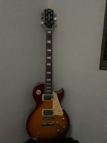Guitarra Strinberg com amplifier