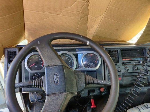 Caminhão Ford Cargo 1317e pipa ano 2006 - Foto 3